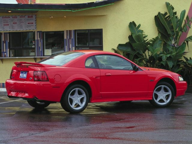 Used 2000 Ford Mustang  with VIN 1FAFP4041YF111865 for sale in Zumbrota, Minnesota